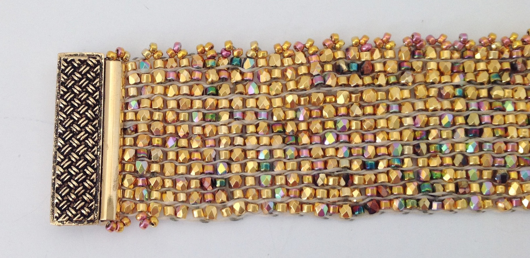 weaving-a-crystal-and-bead-bracelet