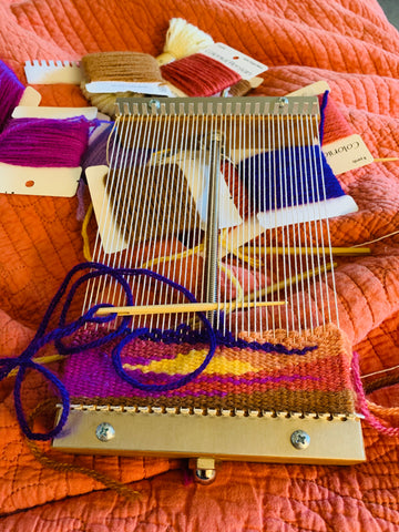 Saffron loom with a weaving in progress