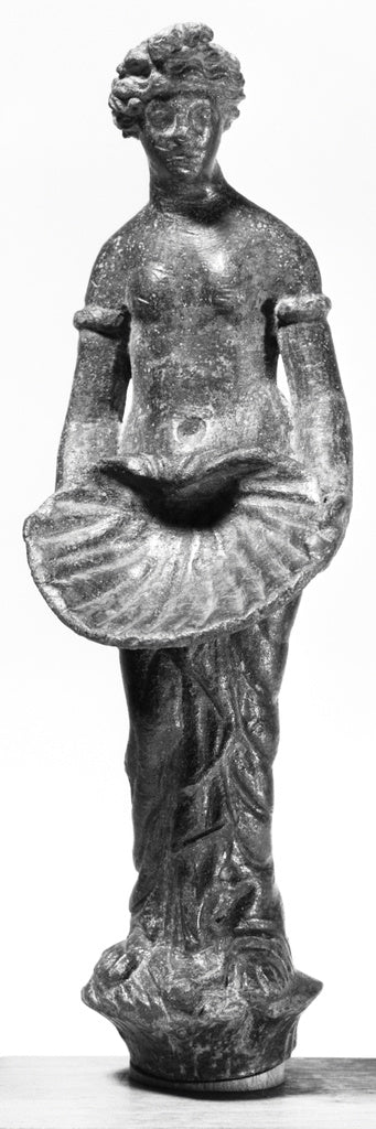 Unknown:Statuette of Venus Holding a Large Scallop Shell,16x12