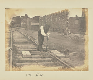 "A.J. Russell:[Straightening bent rails with a jackscrew],16x12""(A3)Poster"