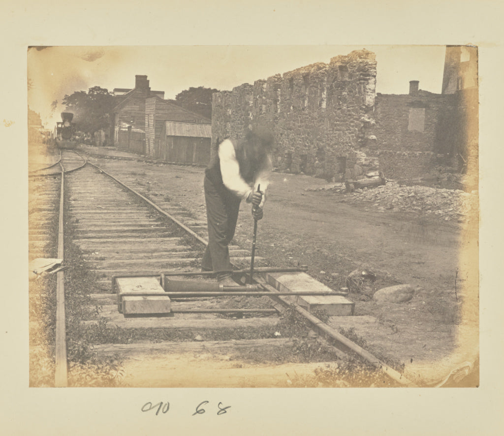 A.J. Russell:[Straightening bent rails with a jackscrew],16x12