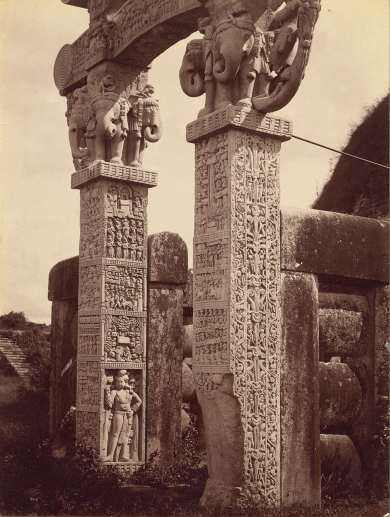Lala Deen Dayal:Pillar of Northern Gate from West, Sanchi,16x12