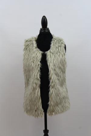 womens street style faux fur chevron vest lined plus size oversize layering gray white open front nordstrom topshop