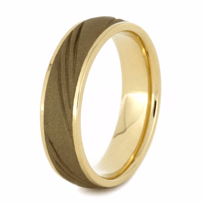 Sandblasted 14k Gold Wedding Band With Three Grooves Design (3)