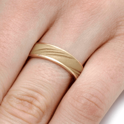 Sandblasted 14k Gold Wedding Band With Three Grooves Design (5)