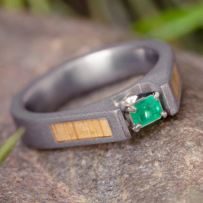 Emerald Ring with Oak Wood Panels and a Sandblasted Titanium-1836
