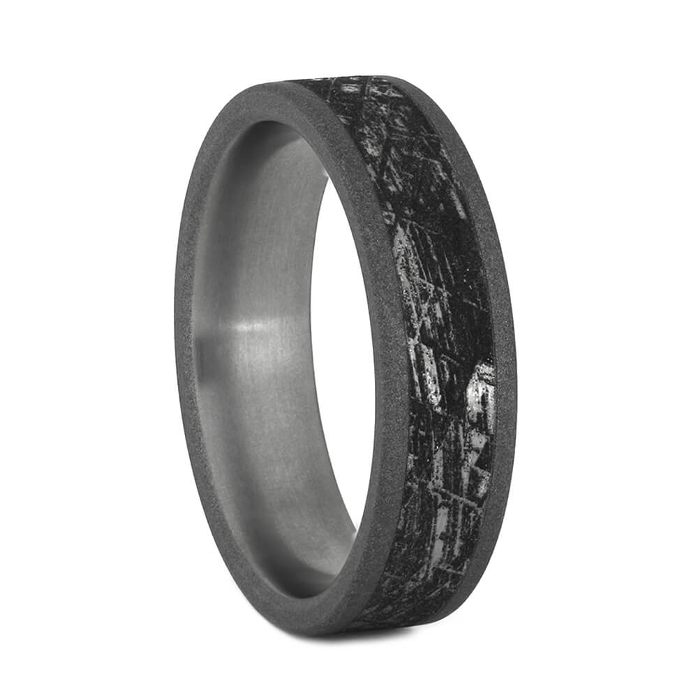Ring with Meteorite Pattern