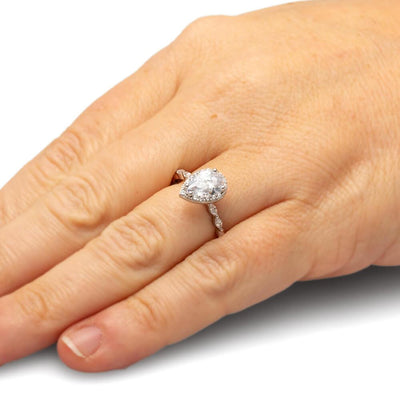 Pear Cut Engagement Ring in White Gold