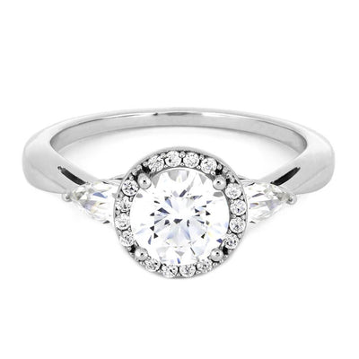 Classic Style Engagement Ring with Modern Look