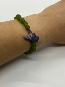 Dark green glass bead bracelet wampum clasp