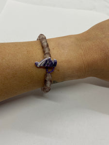 Spotted purple glass bead bracelet wampum clasp