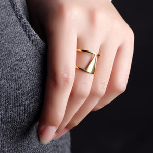Triangl Ring