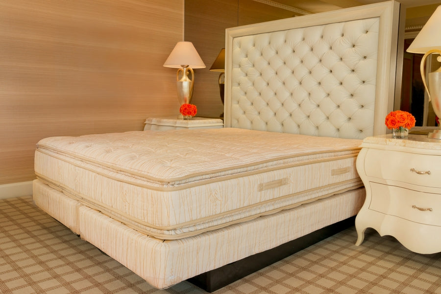 Nice Wynn Resorts Dream Bed   King Size   Complete Set