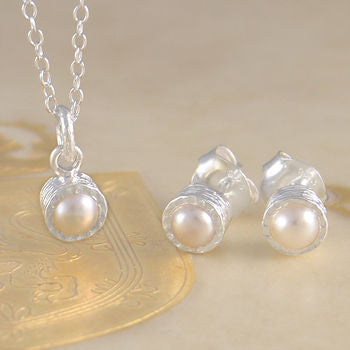 Freshwater White Pearl Birthstone Silver Necklace