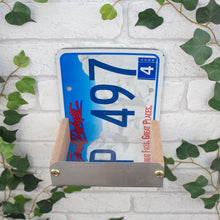 Bird Feeder, South Dakota License Plate Bird Feeder, Can be personalised. - Wudwerx
