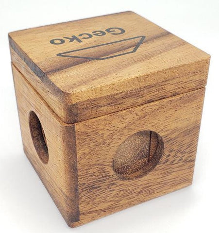 Picture of a poorly made puzzle box