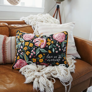 Botanical | Pillow | Live in the moment
