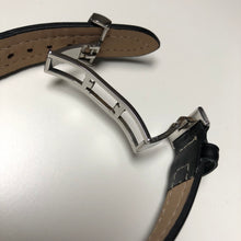 Deployant clasp on leather strap