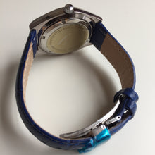 le gant watch with blue strap