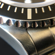 Brushed surface of Rolex submariner lugs