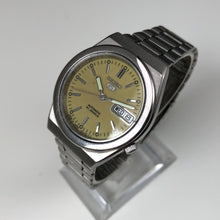 Vintage Seiko day date on stand