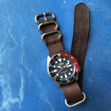 diving watch with pepsi bezel