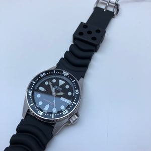 Seiko SKX013 watch