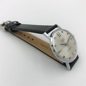 Sophisticated watch for suit