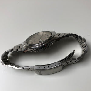 Seiko bracelet and case side