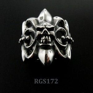Monarch Ring w/Skull