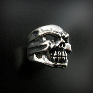 Medium Chomps Skull Ring