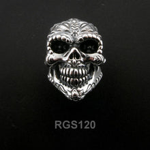 Kiss of Death Skull Ring