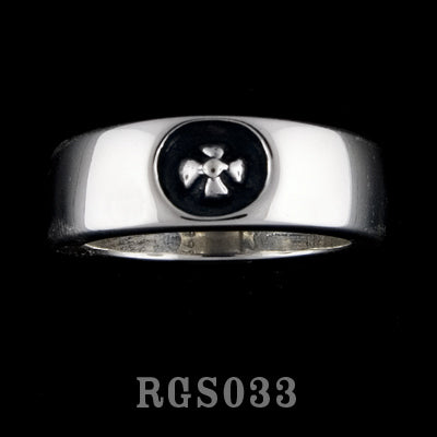 Small Gothic Cross Ring RGS033
