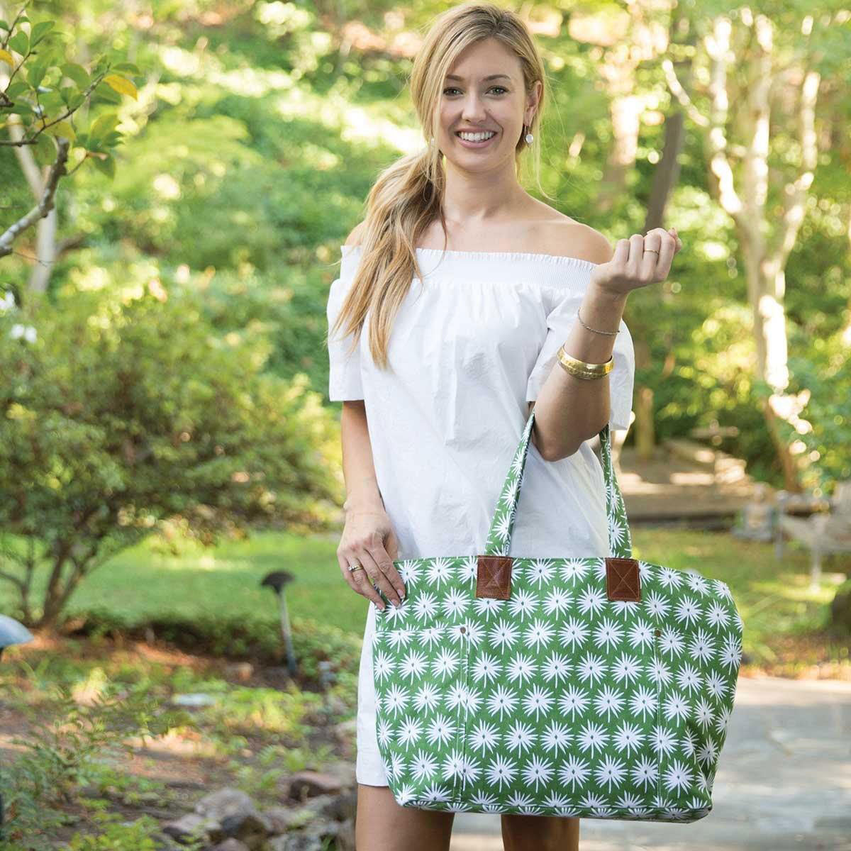 Palmetto Green Relaxed Canvas Tote Bag - so cute for spring!