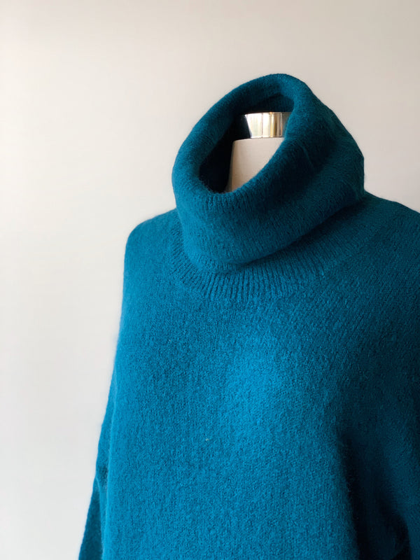 Nahouel Blue Sweater