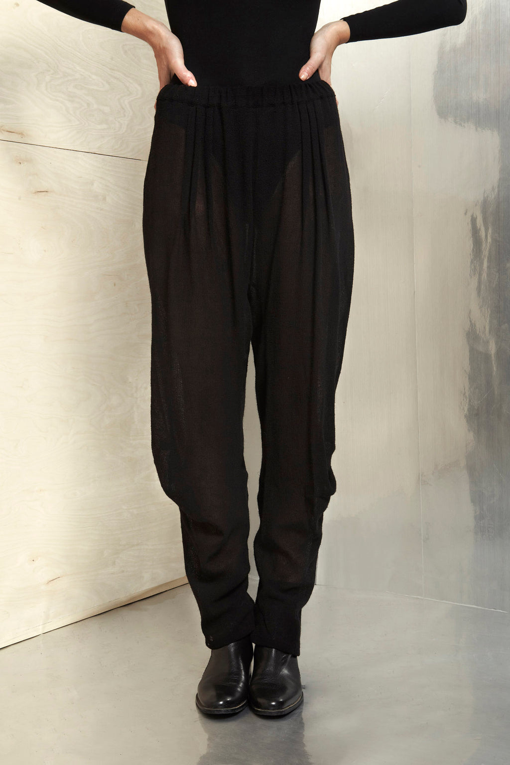 Black Virgin Wool Medusse Pants