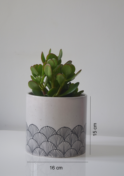 pankha, black and white fan patterned planter with measurements