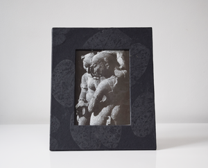 Black heartleaf imprint photo frame front view