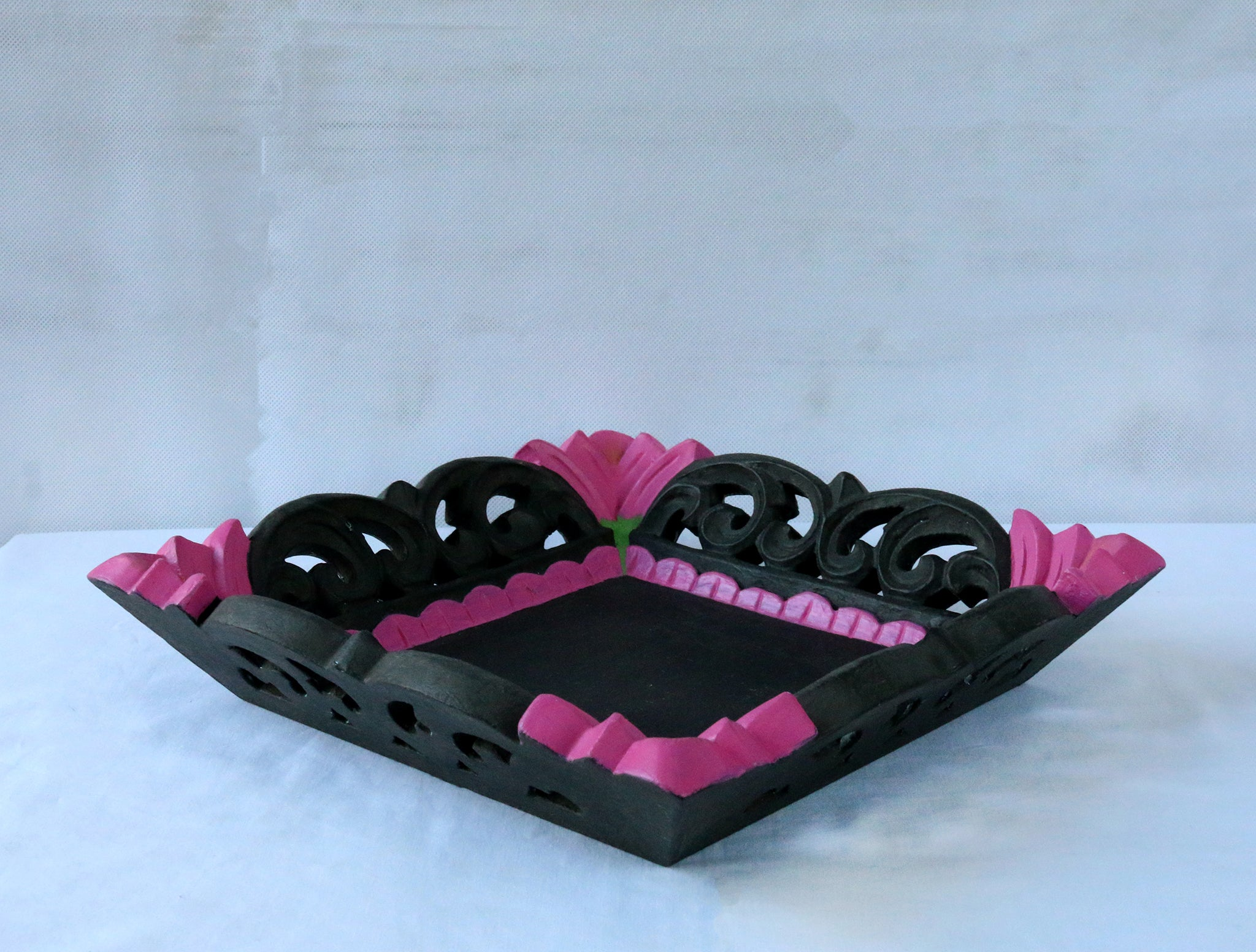 Charcoal and pink tray side view