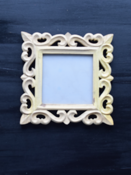 carved unfinished picture frame -21x 21 cm
