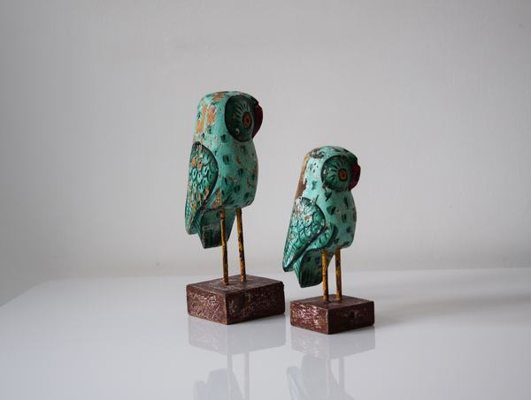 Set of 2 green distressed wooden owls - alternate view
