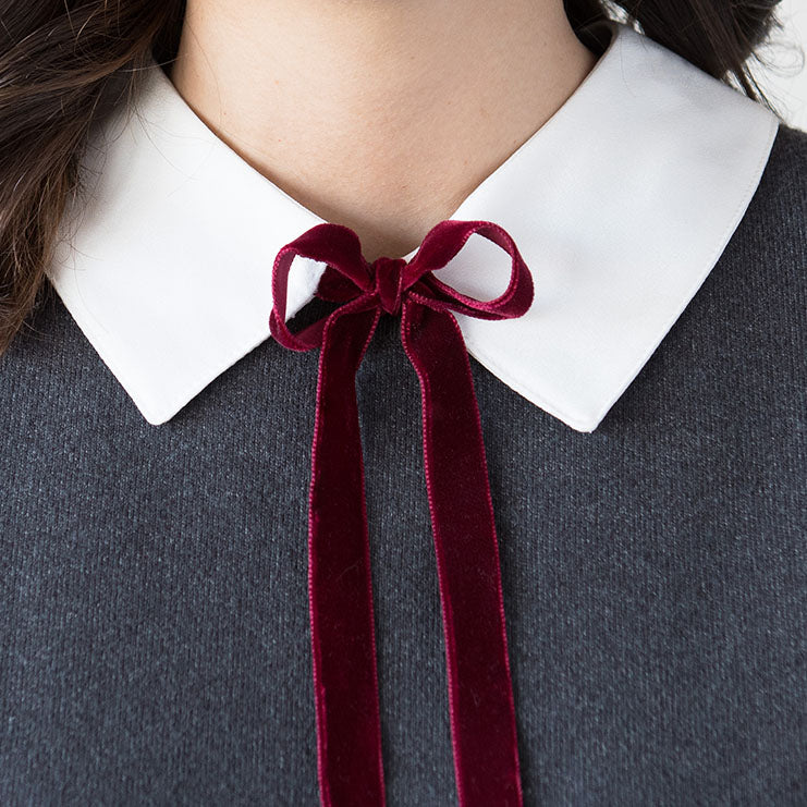 The Velvet Ribbon Collar