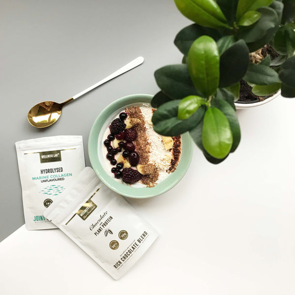 Yoghurt bowl powered by marine collagen and vegan cacao!