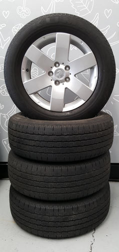 (USED) 17X7 HOLDEN CAPTIVA 5X115 & 235/60R17 KUMHO TYRES GOOD TREAD