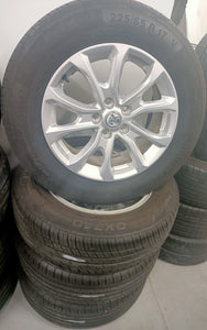 (SECOND HAND) HOLDEN 17inch WHEELS & TYRES 225/65R17