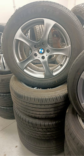 (SECOND HAND)BMW X5 18inch WHEELS & TYRES 255/55R18