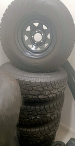 (SECOND HAND) BLACK 15inch WHEELS & TYRES 31 X 10.50R 15LT