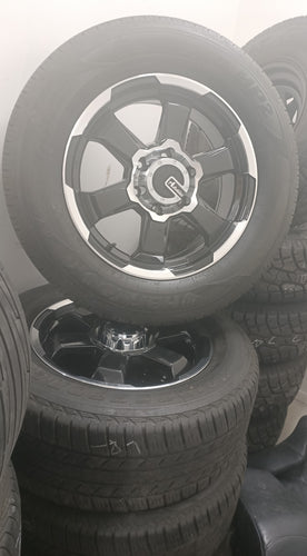 (SECOND HAND) ADVANTI FORCE ET35 GLOSS BLACK 18inch WHEELS & TYRES 265/60R18