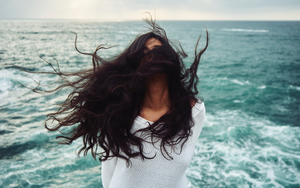 4 Product-free Hair Tips From a Hairstylist for Healthy Hair!