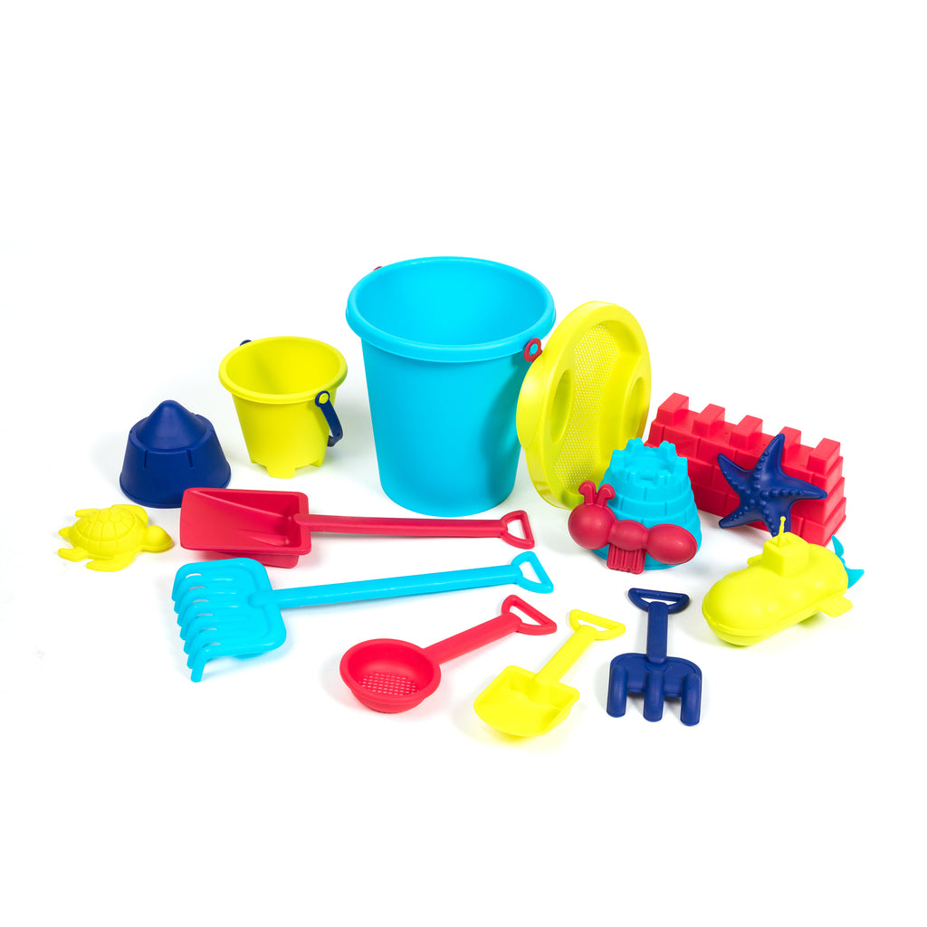 15 pcs of Beach Toys and Sand Castle Bucket Set